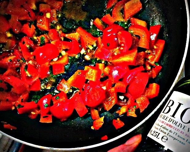 En nutrithérapie, les lycopènes de tomates sont interessants. Ils ne sont actifs que cuits en cuisson lente.